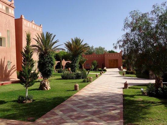 Kasbah Mansour: Vue côté jardin - Kasbah Mansour