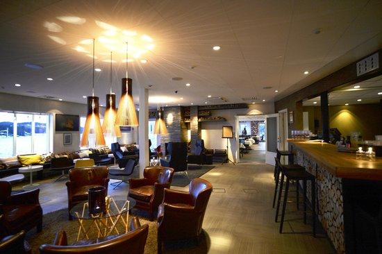 Ulvo Hotell: Lounge och bar