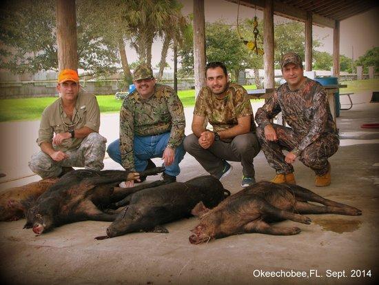 Ron's Guide Service: El Salvador, hunting team