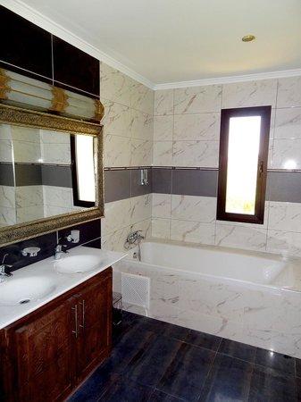 Kasbah Mansour: Salle de bain de la Suite Sultan - Kasbah Mansour