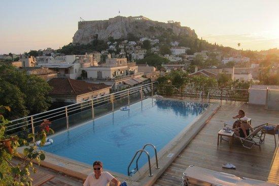 فندق إلكترا بالاس أثينا: Rooftop Pool w View