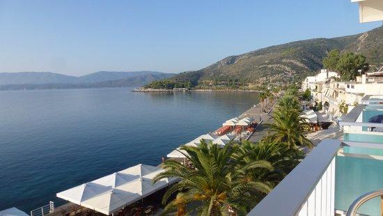 Saronis Hotel: saronis view from my balcony