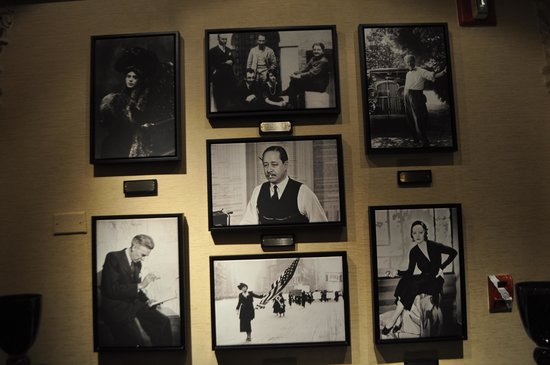 The Algonquin Hotel Times Square, Autograph Collection : The 2nd floor museum