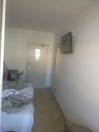 Hostal Tarifa: room