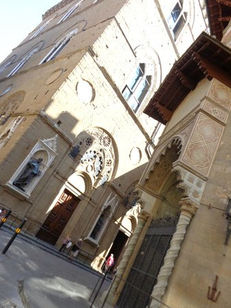 Church and Museum of Orsanmichele: Exterior