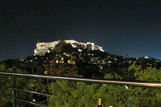فندق إلكترا بالاس أثينا: View from our table Rooftop Restaurant