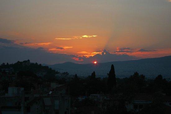 فندق إلكترا بالاس أثينا: View from Pool at Sunset