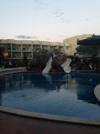 Sunny Day Hotel And Apartments: pool