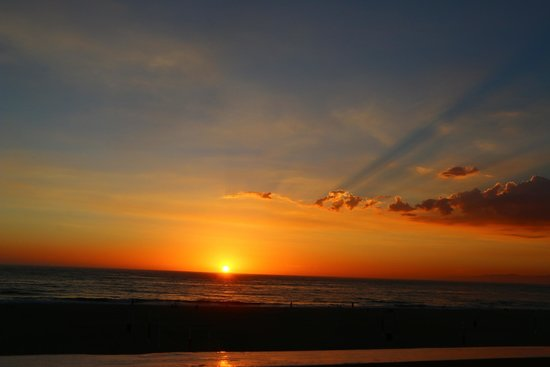 Beach House Hotel Hermosa Beach: Beautiful Sunsets from room