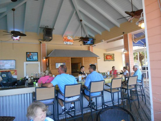 Sunset Waterfront Grill & Bar: what you expect from a coastal place in Florida