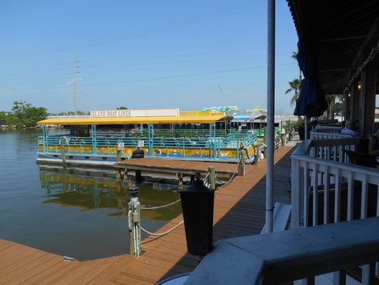 Sunset Waterfront Grill & Bar: there's even an available tour off their docks