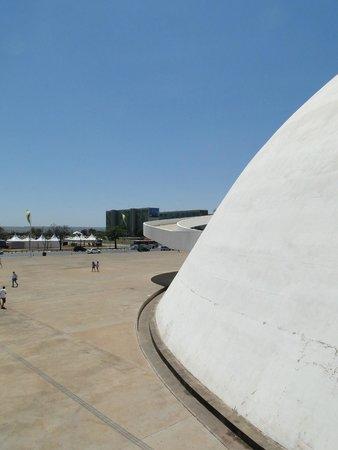 Museu Nacional da Republica: Branco e Azul