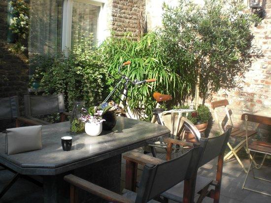 Chambre d'Hôte Rekko: Mooie patio