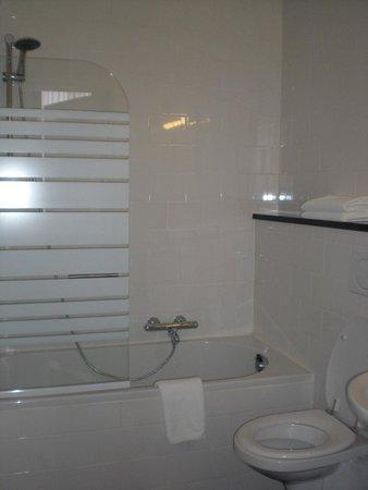 Chambre d'Hôte Rekko: Modern en schone badkamer