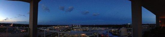The Westin Houston Memorial City: Pool Floor view