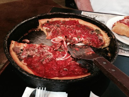 Gino's East Magnificent Mile: Deep dish pizza