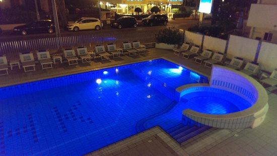 Hotel Kursaal: Piscina