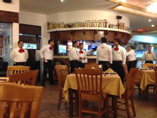 El Meson Principal: Waiters...waiting...