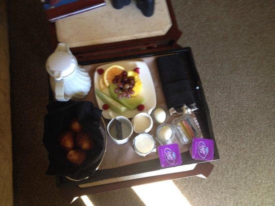 مونتيري باي إن: Continental breakfast