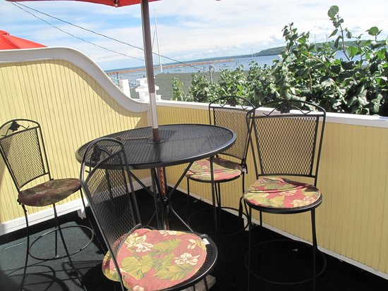 Bay View of Mackinac Bed & Breakfast: Private Balcony overlooking the water