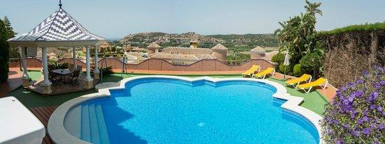 Villa al Alba: Piscina