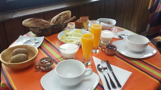 Agroturismo Maddiola: Desayuno espectacular