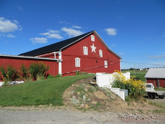Davidsville, PA: View of the barn