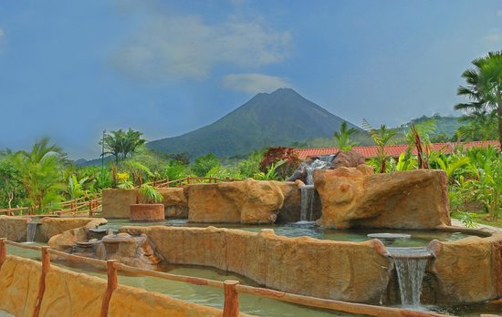 Volcano Lodge & Springs: Hot Springs Pool