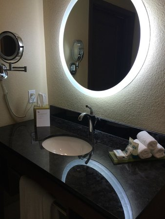HYATT House San Jose/Silicon Valley: Bathroom