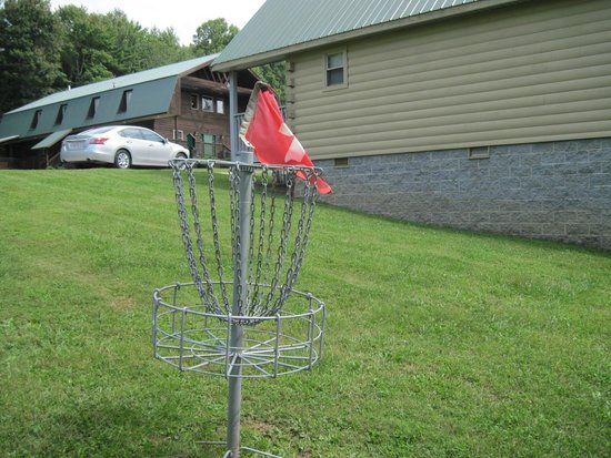 Cabins at Pine Haven: Disc Golf Hole #1