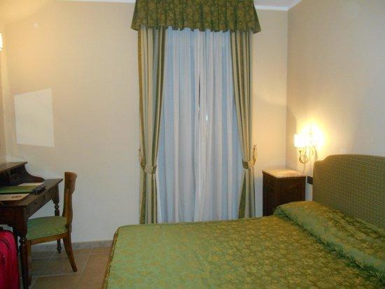 Relais Il Postiglione-Antica Posta dei Chigi: Bedroom