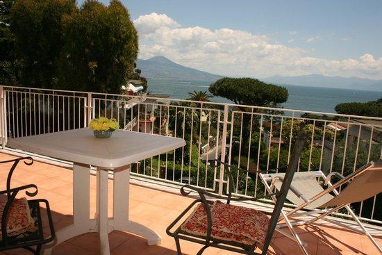Colazione terrazza camera vista mare - Foto di B&B Rivalta ...