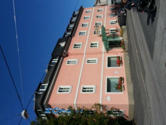 Scherer Hotel: Hotel exterior