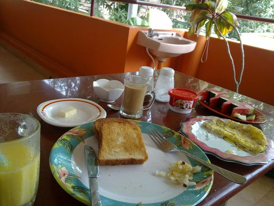 Sajhome: Continental breakfast