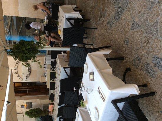 La Placeta Restaurante: La Placeta , en la terraza