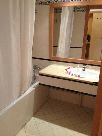 إيبيروستار شيش خان: Bathroom