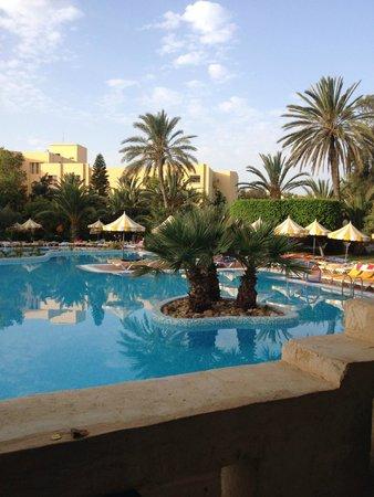 إيبيروستار شيش خان: Beautiful pool area