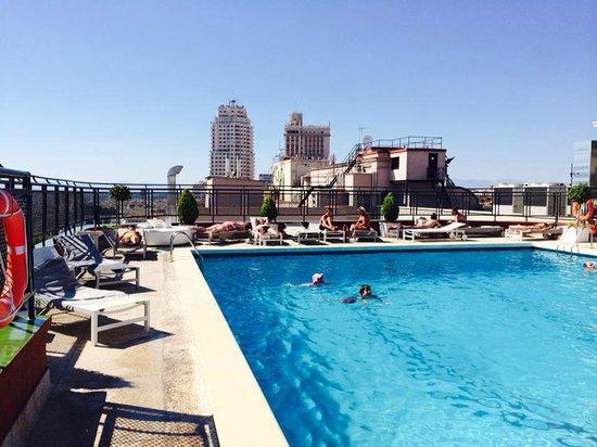 Foto de emperador hotel madrid madrid terraza del hotel emperador tripadvisor - Piscina hotel emperador ...