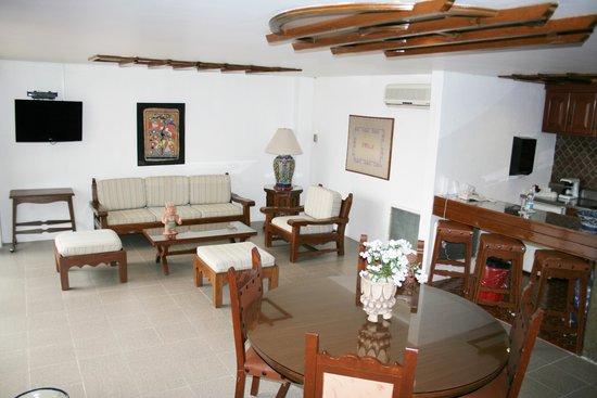 Amberes Suites: SALA
