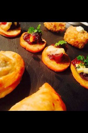 The Red Lion: Canapés selection