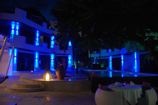 Beluga Boutique Hotel: Hotel by Night