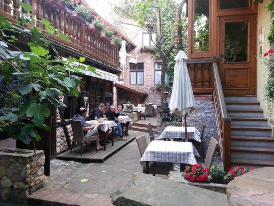 Hôtel Chez Norbert : Hotel Courtyard
