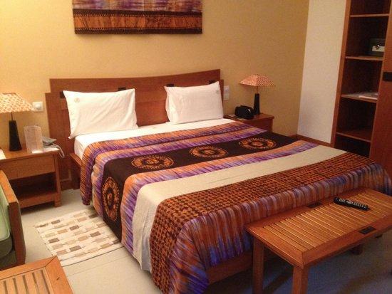 Hotel Akwa Palace : Renovated room
