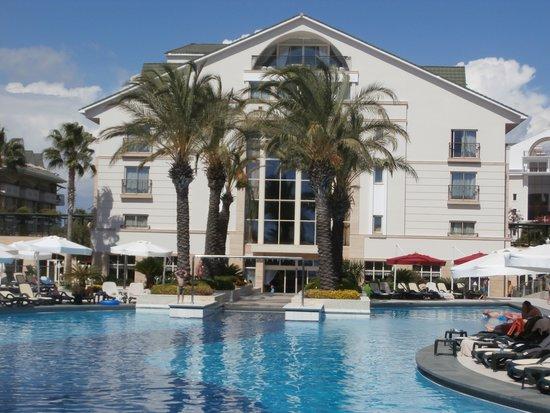 Piscine nouvelle partie alva donna exclusive hotel spa for Piscine 07500