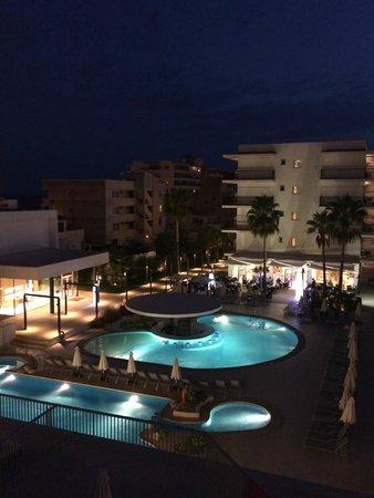 Hotel JS Palma Stay: Night view