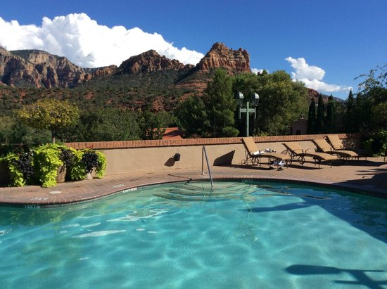 Best Western Plus Arroyo Roble Hotel & Creekside Villas: View from the pool :)