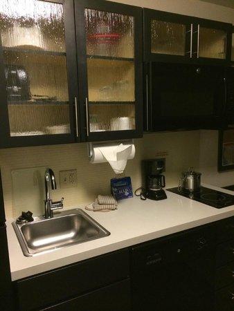 Candlewood Suites Tucson: Kitchen Area