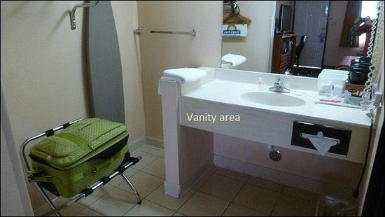 Days Inn Yuma: vanity