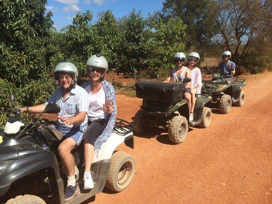 Quad Ventura : Brief stop in orange grove