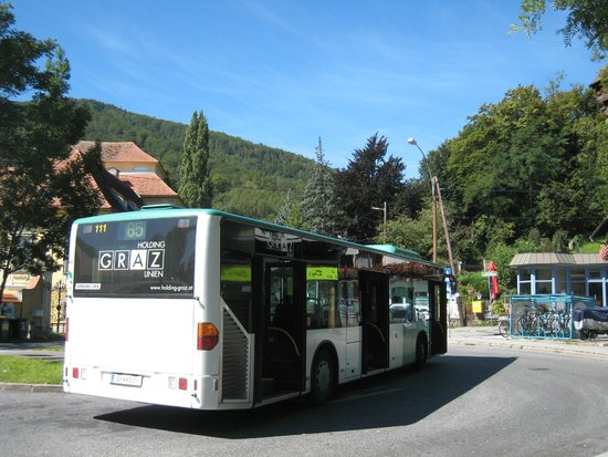 Burgruine Gösting : Gosting バス乗り場